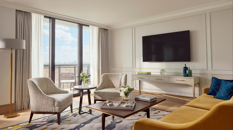 leonardo-1130290-Royal_Suite_Living_Room_O-137929